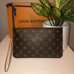 Authentic Louis Vuitton MM Pouch ✨